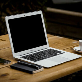 ecommerce laptop-336369 by free photos_pixabay